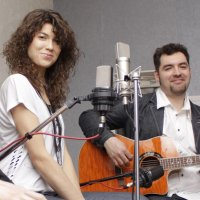 Friday evening in Brooklyn restaurant with Acoustic duo Alliance