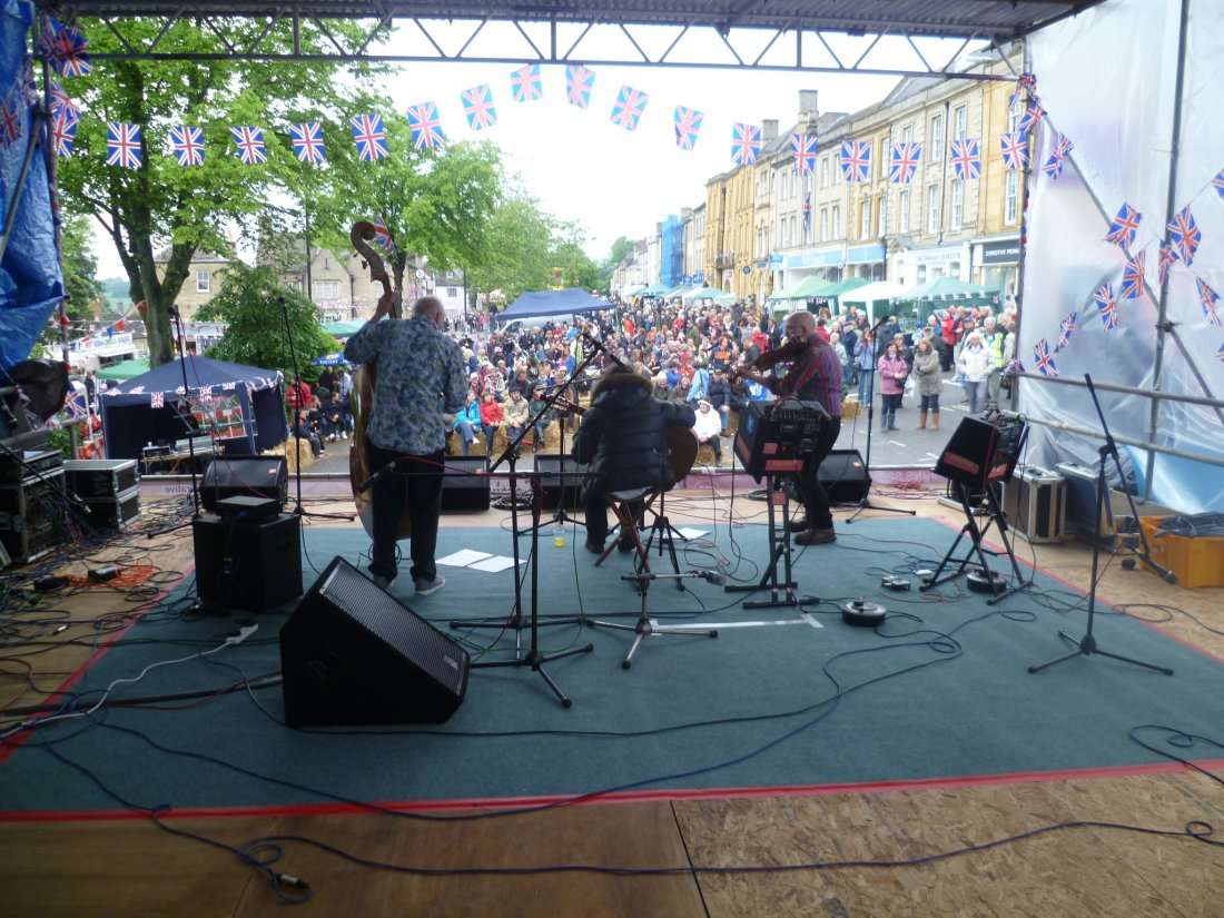 FiddleBop at Chipping Norton Town Festival 2016